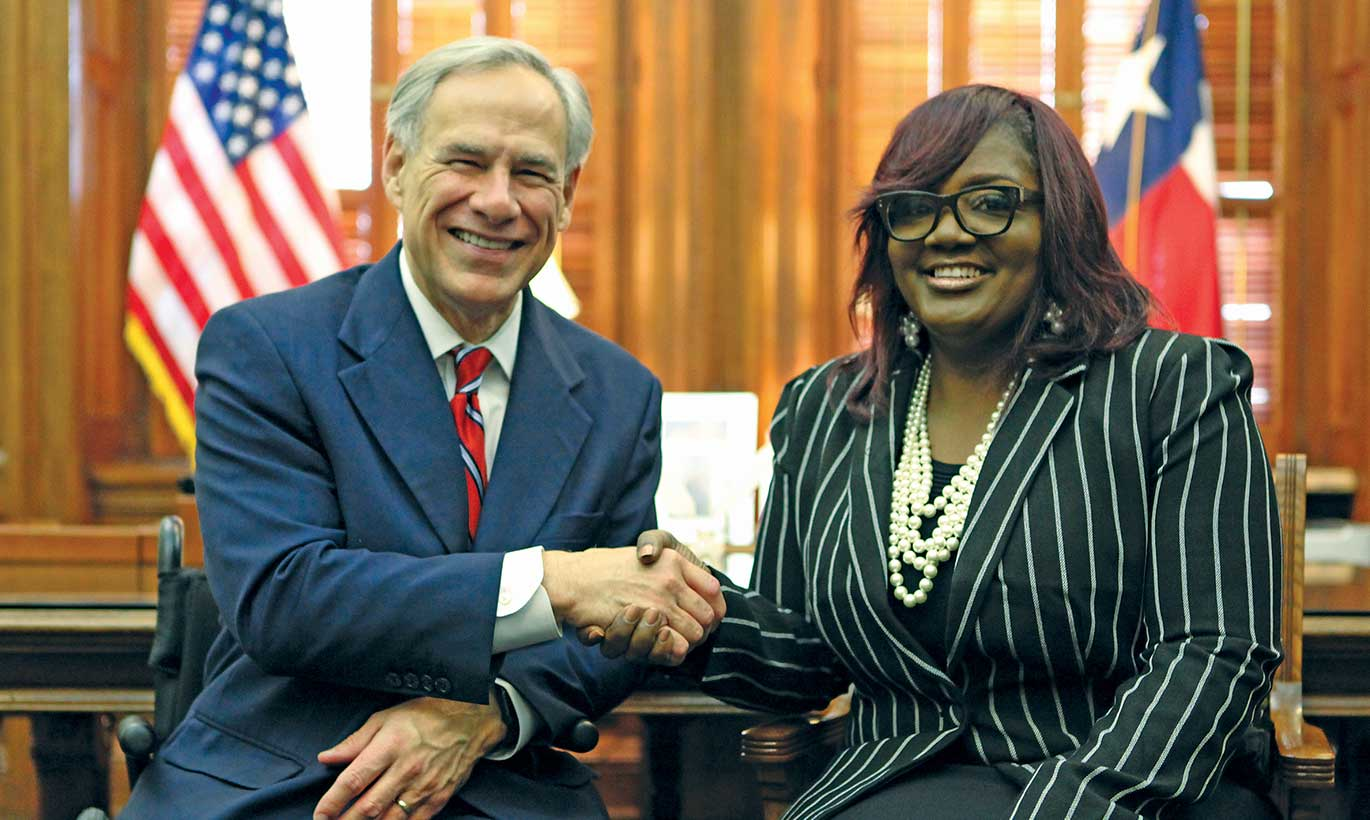 Governor Abbott meets with Tamala Austin, the owner of J.I.V.E juice. Her juice company made history when it was the first African American owned juice company to be sold at Whole Foods Market