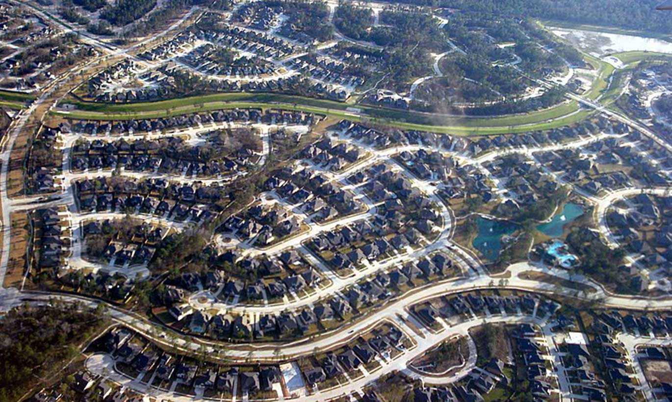 Aerial view of a residential neighborhood in the Woodlands, Texas.